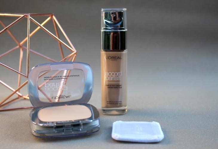 Fond de teint Accord parfait fluide et poudre Beauté Femme maquillage 2 Le Charme Electro.com