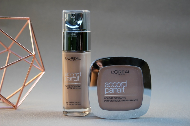 Fond de teint Accord parfait fluide et poudre Beauté Femme maquillage 4 Le Charme Electro.com