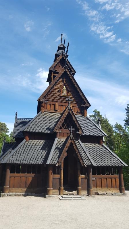 Oslo - Norvège - Eglise en bois debout Norsk Folkemuseum - Visite - Voyage - Le Charme Electro.com