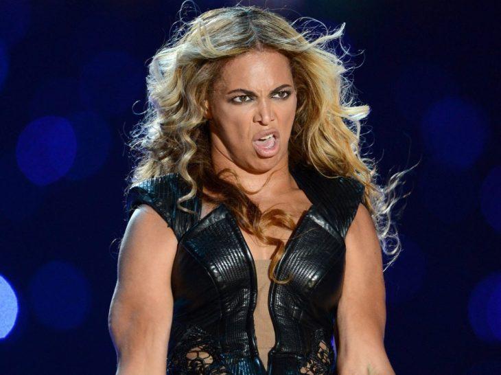 Beyoncé Photos de scènes embrassantes
