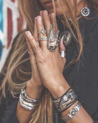 Idée de look accessoires tendance style Coachella Festival Bijoux