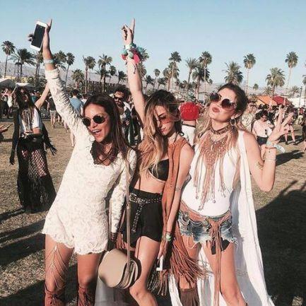 Look filles tenues Coachella festival