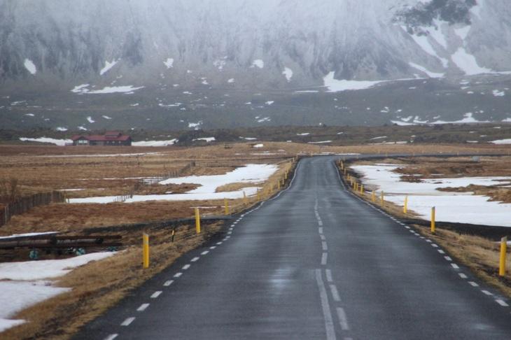 Route en Islande - louer une voiture ou découvrir l'Islande en circuit